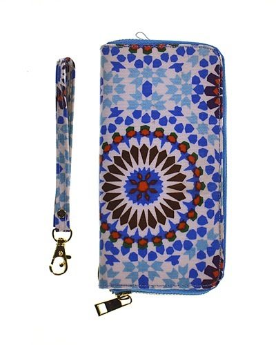 Printed Zip Around Clutch with Removable Wrist Strap-id.CC30937
