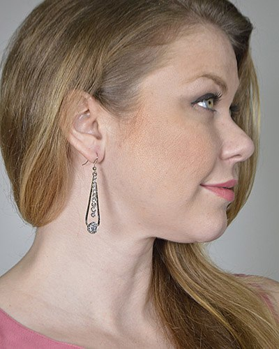 Crystal Studded Teardrop Earrings-id.CC31252
