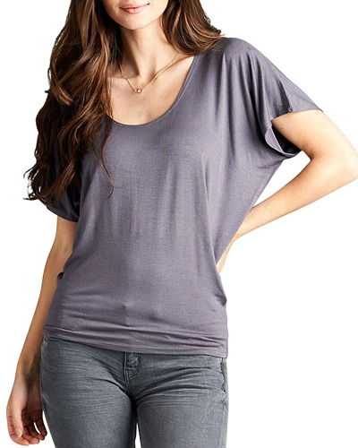 Ladies fashion soft knit. round neckline top. w/short sleeves. and a relaxed fit-id.33757g