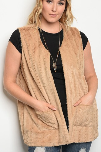 Plus size sleeveless faux fur vest with pocket details.-id.33946