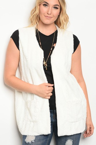 Plus size sleeveless faux fur vest with pocket details.-id.33946a