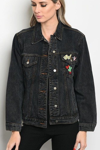 Ladies fashion long sleeve denim boyfriend fit jacket that features a collard neckline and pin details-id.CC34331