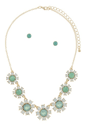 Faux gem daisy flower statement necklace set-id.CC34765