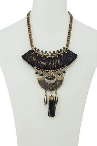 Seed bead tassel fringe black cushion pendant necklace set-id.CC35032