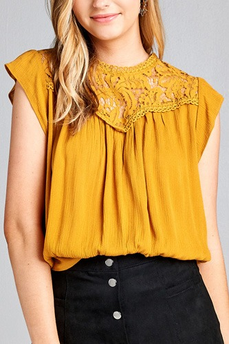Ladies fashion ruffle sleeve front lace back button w/self tie woven top-id.CC35427a