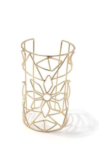 Floral cut out cuff bracelet-id.CC36024