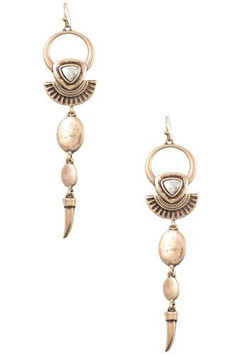 Link metal ornate dangle earring-id.CC36401