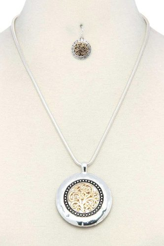 Filigree round metal pendant necklace-id.cc37938