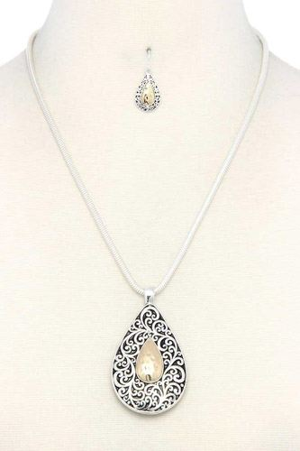 Two tone filigree teardrop shape pendant necklace-id.cc37944