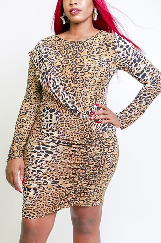 Leopard print long sleeves midi dress in a body-con style with a crew neck, ruched side detail and a versatile belt-id.cc38516