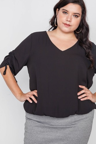 Plus size chiffon v-neck solid top-id.cc38724
