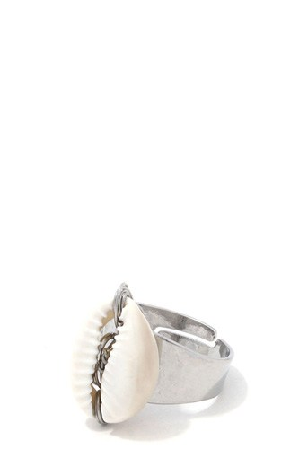 Cowrie shell ring-id.cc39037