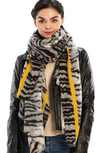 Color line with animal pattern scarf-id.cc40001