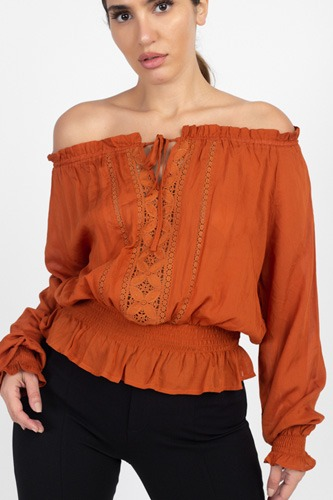 Off shoulder embroidered shirt-id.cc40122c