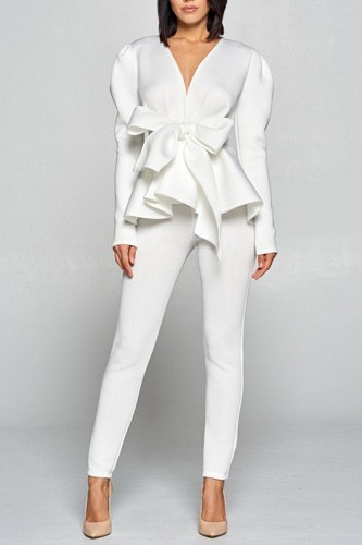 Long sleeve deep v neckline top with waist tie to make a bow detail paired with elastic waist pants-id.cc40259b