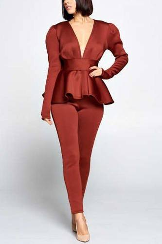 Long sleeve deep v neckline top with waist tie to make a bow detail paired with elastic waist pants-id.cc40259c