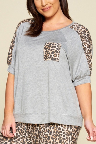 Plus size cute animal print pocket french terry casual top-id.cc40326