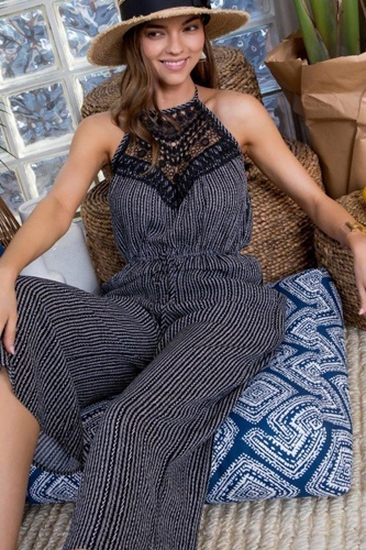 Halter neck front lace patch detail printed jumpsuit-id.cc50689a
