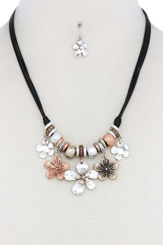 Tri tone flower charm pu leather necklace-id.cc50706