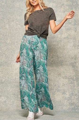 A pair of paisley-print pants-id.cc50856