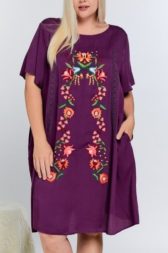 Floral embroidered lace trim keyhole back short sleeve shift dress.-id.cc51902