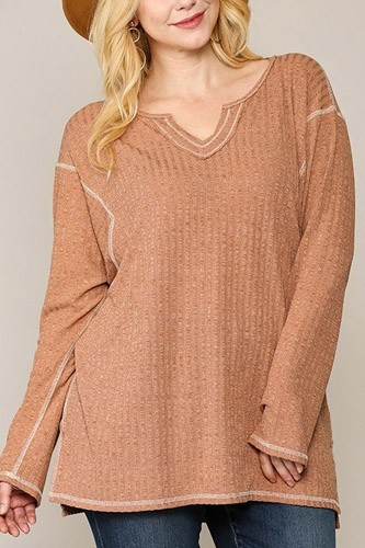Two-tone ribbed tunic top with side slits-id.cc52775