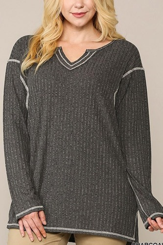 Two-tone ribbed tunic top with side slits-id.cc52775a