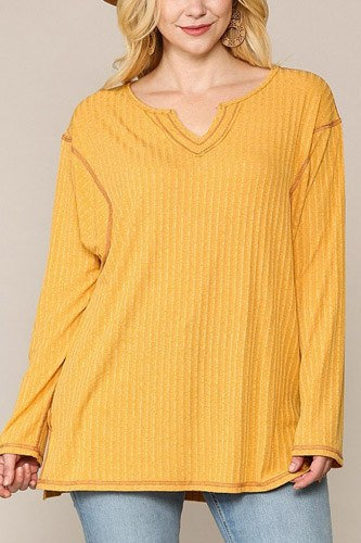 Two-tone ribbed tunic top with side slits-id.cc52775b