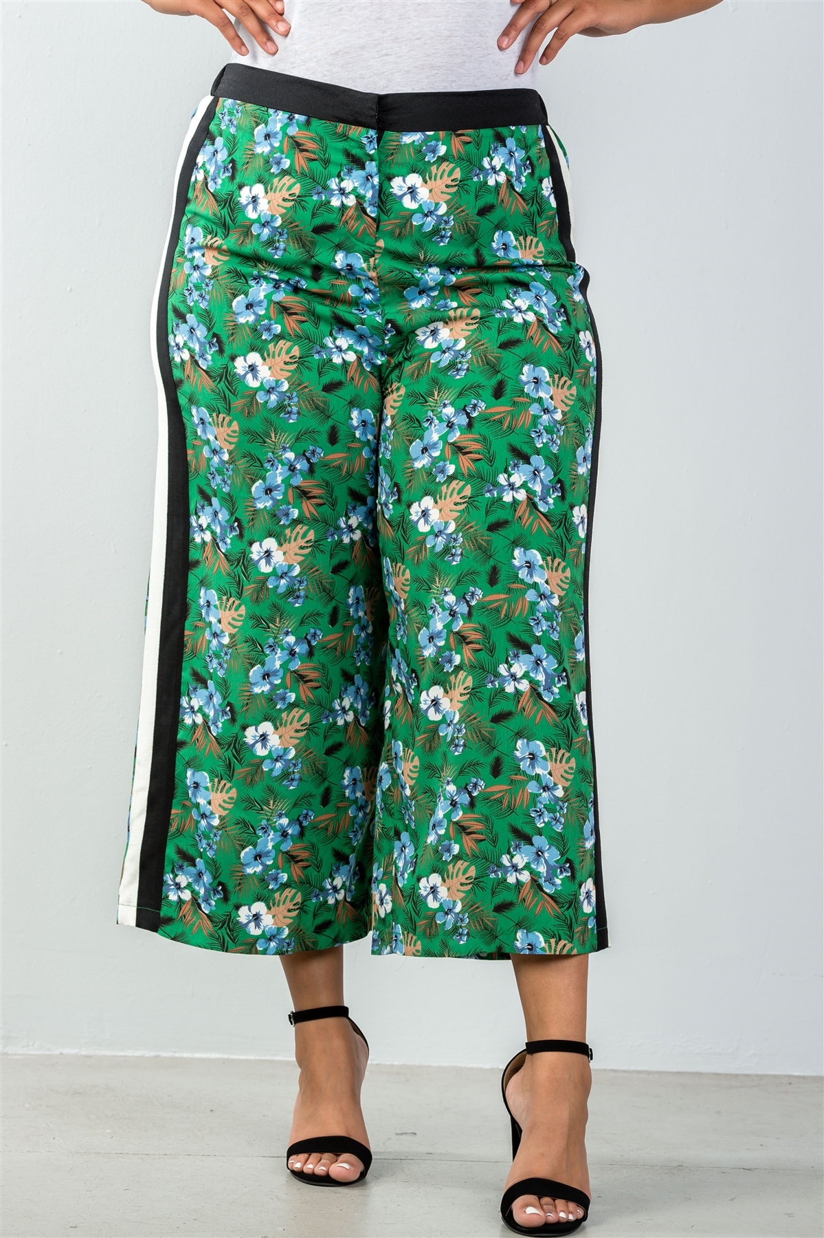 Ladies fashion plus size wide leg green contrast side floral print cropped pants-id.35320