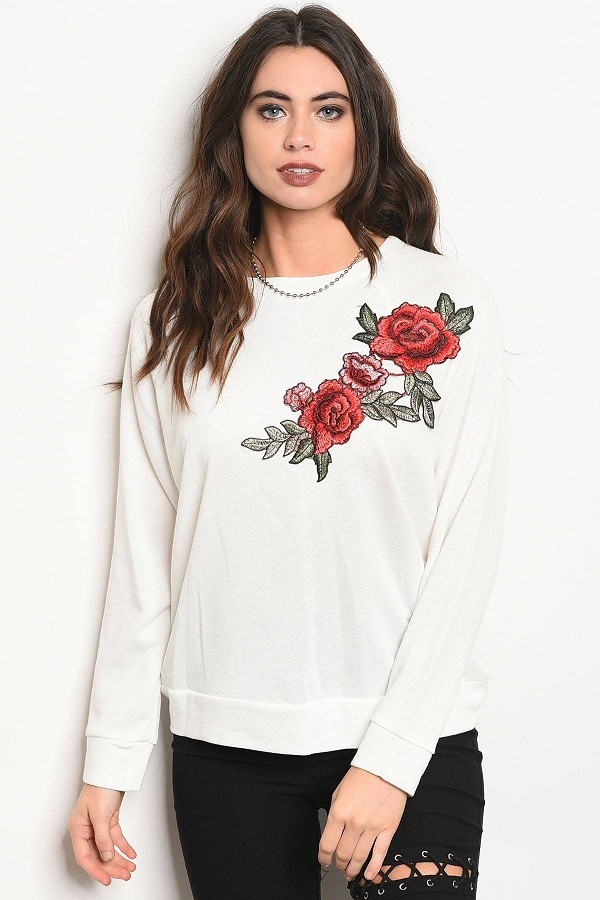 Ladies Fashion Long Sleeve Light Weight Knit Top With A Crew