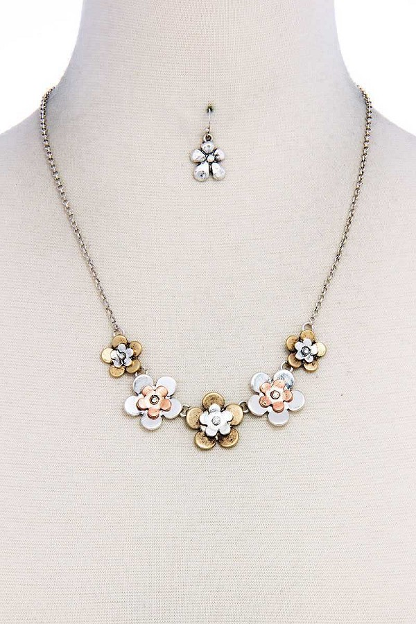Chic stylish multi flower necklace and earring set-id.cc37608