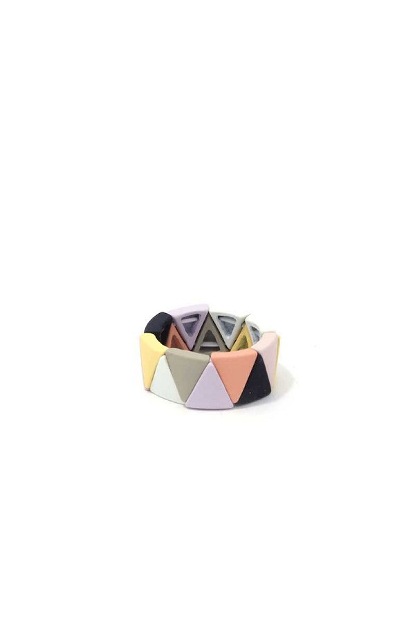 Triangular shape multi color stretch ring-id.cc39482