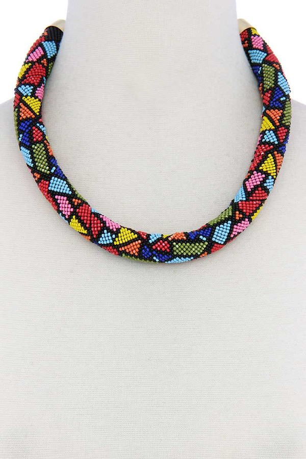 Abstract pattern seed bead necklace-id.cc40415