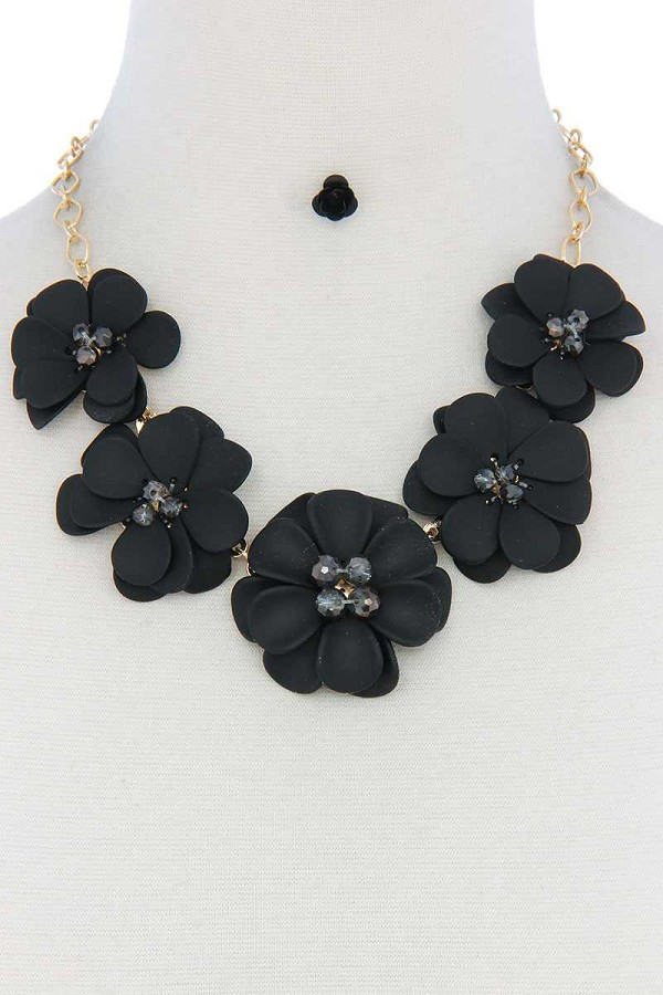 Floral beaded bib necklace-id.cc50637