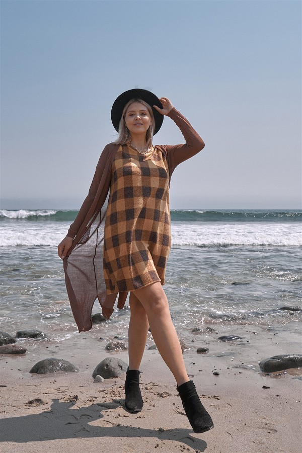 Plus size checkered round neck short sleeve sweater mini dress-id.cc52153